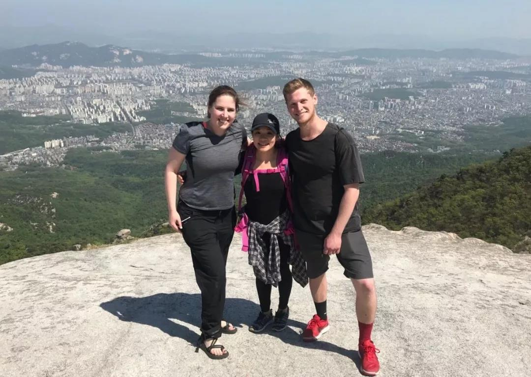 Michelle (middle) travelled with classmates in Korea