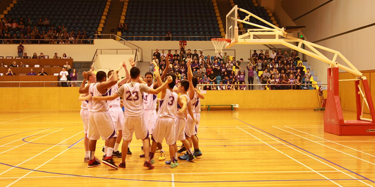 NYU Shanghai vs Yale-NUS Basketball Game, November 1st, 2014. (Photo by Lingyi Liu)