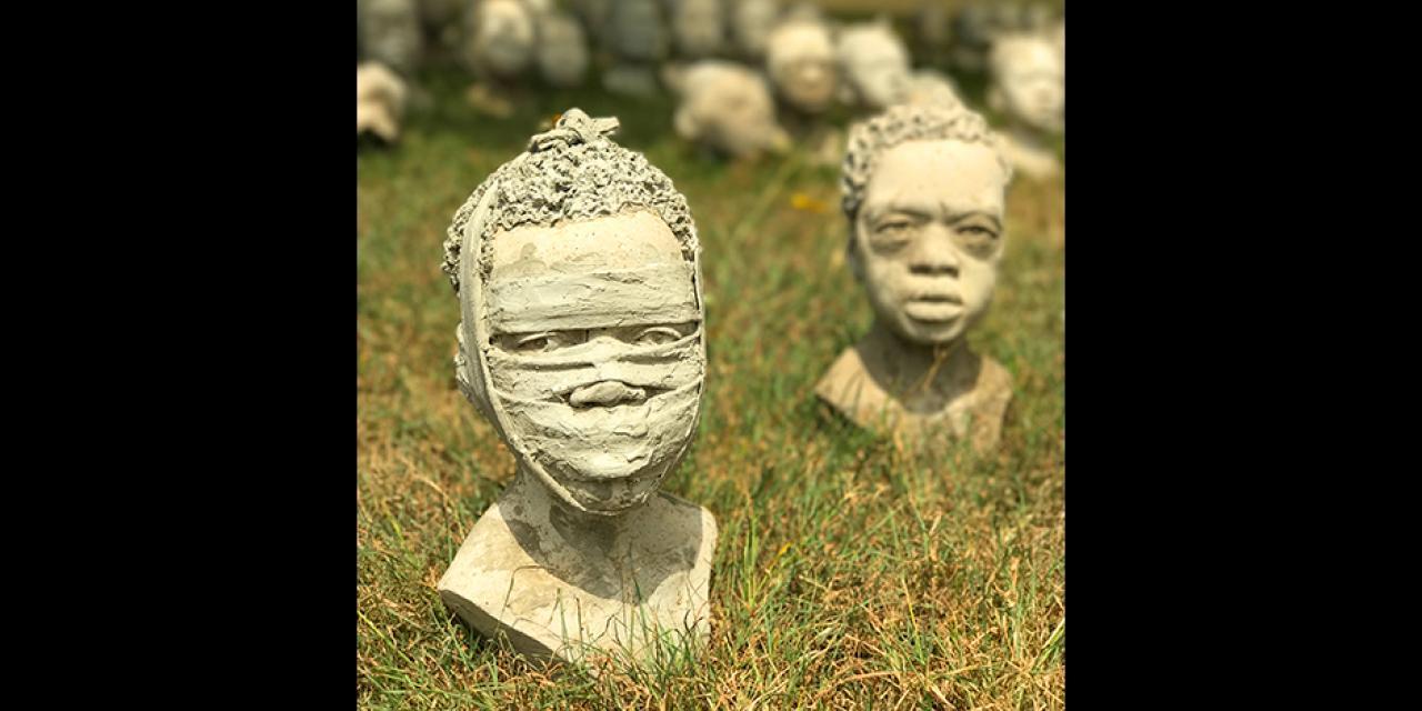 恩克鲁玛陵墓的半身像,有种奇异的美。 ——Maya Williams(阿克拉)