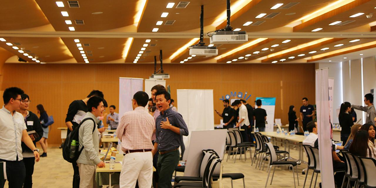Internship Fair on October 16, 2015. (Photo by: Shikhar Sakhuja)