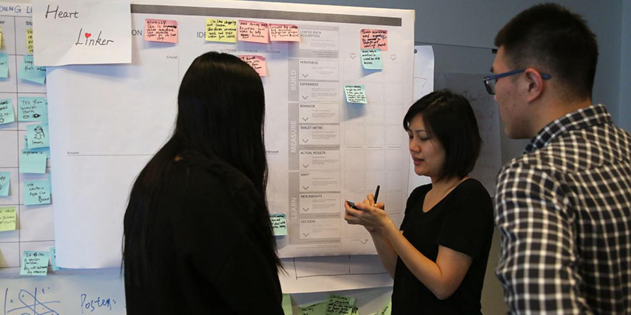 The first-ever DBS Digital Express Challenge at NYU Shanghai provides participants with Design Thinking and Lean Startup methodology training. January 23, 2015. (Photo by Tina Xu)