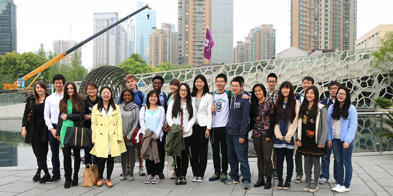 Students visit the Shanghai Natural History Museum at its new site in Jing'an Sculpture Park. April 26, 2015.