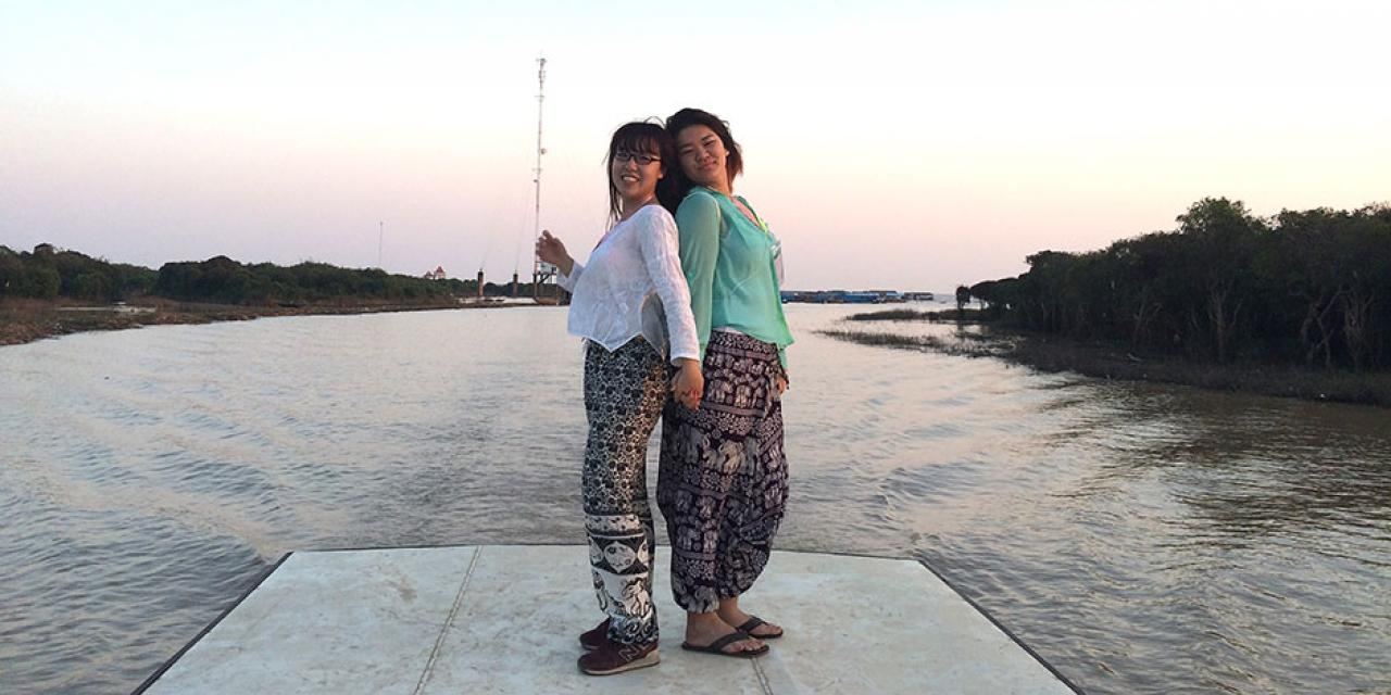Deans' Service Scholars travel to Siem Reap, Cambodia over winter break to collaborate with Project New Hope. January 2015. (Photo by Janli Tiffany Gwo)
