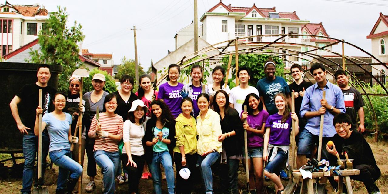 Community Service-in Chongming Island with Will Foundation (Photo by Sunyi Wang)