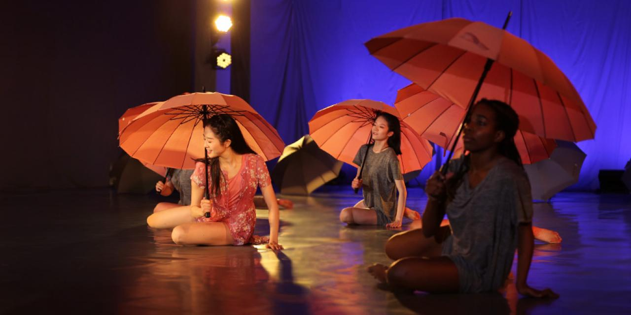 This semester's Contemporary Dance performance, titled The Umbrella, was inspired by Shanghai's marriage market at People's Square Park. It tells the story of a girl forced to make a tormenting decision about whether or not to advertise her desire to find a husband.