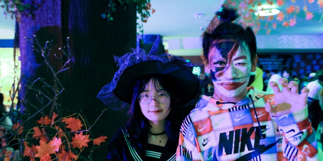 Looking bewitched: Rachel Min '23 and Jack Yu '23  Photo by Nathaniel Luo '22