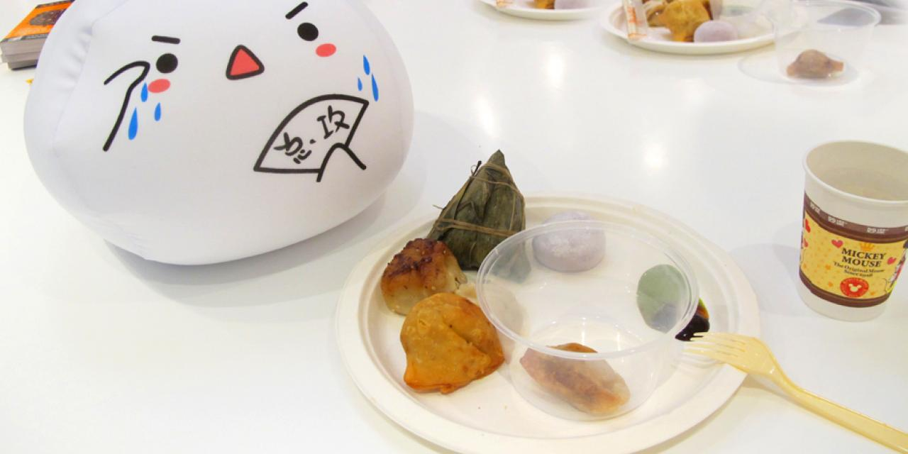 A tradition in good shape, the annual NYU Shanghai Dumpling Festival saw 10,000 dough-wrapped delicacies shared among students on September 28. (Photo by: NYU Shanghai)