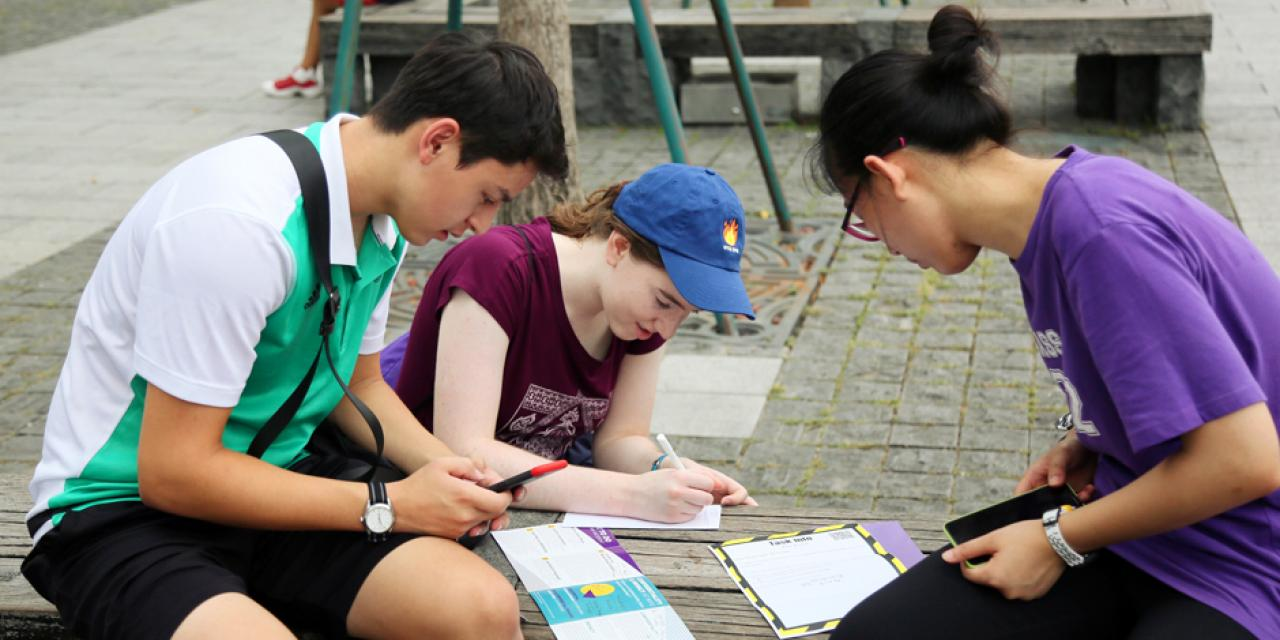 Not all tasks required local knowledge. Students also had to work together to solve puzzles and quizzes. (Photo by: NYU Shanghai)