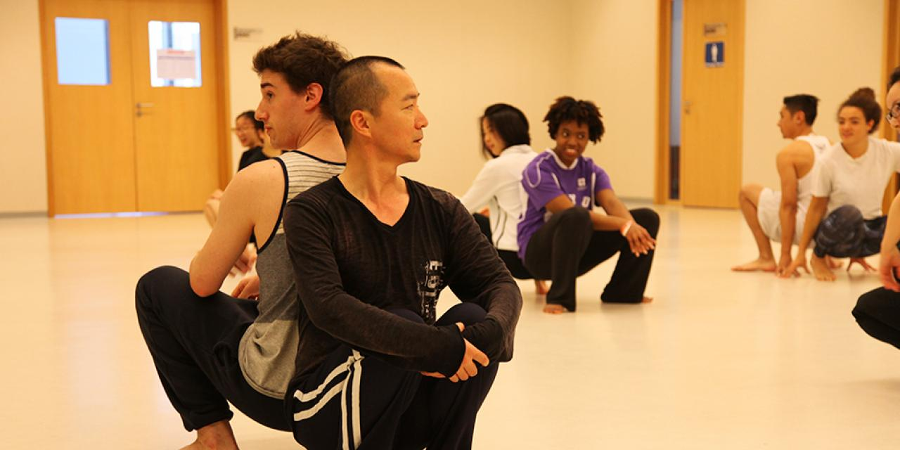 Lighting the way for a morning of rhythmic verve, Ma Shouze, founder of modern dance in China, instructed NYU Shanghai students on May 12. (Photos by: NYU Shanghai)
