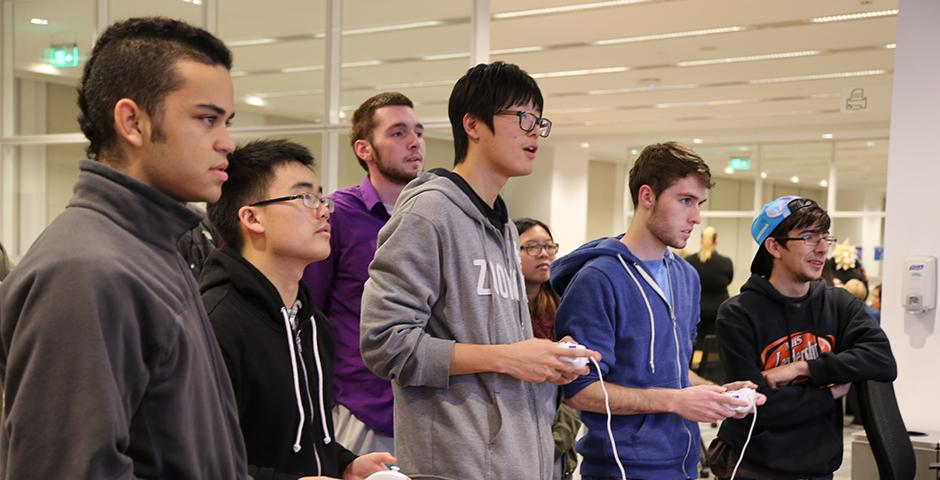 Students celebrated International Game Day at the NYU Shanghai Library with special prizes and their favorite games. November 15, 2014. (Photo by Tong Wu)