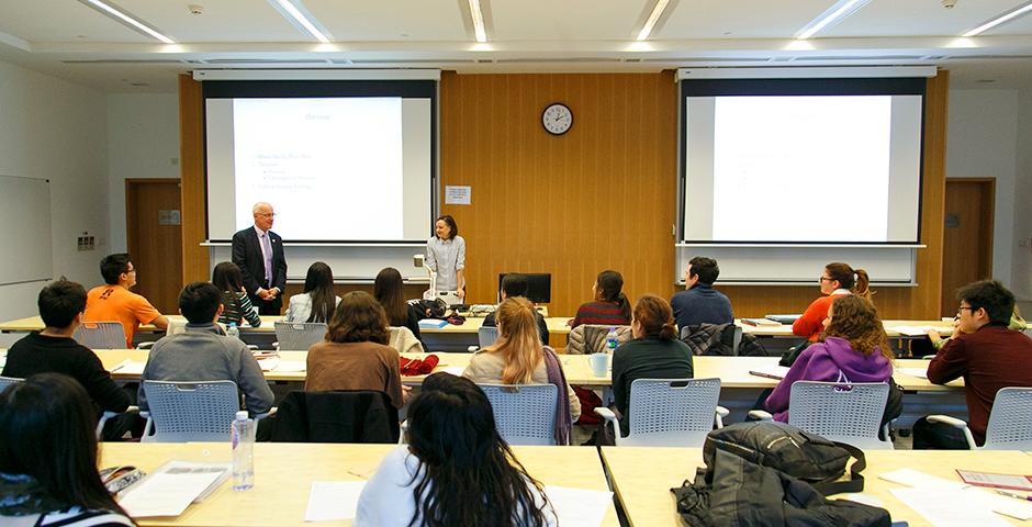 NYU's President-Designate, Andrew Hamilton, visited NYU Shanghai as part of a sequence of visits to meet his new colleagues on November 18 and 19 (Photo by: NYU Shanghai)