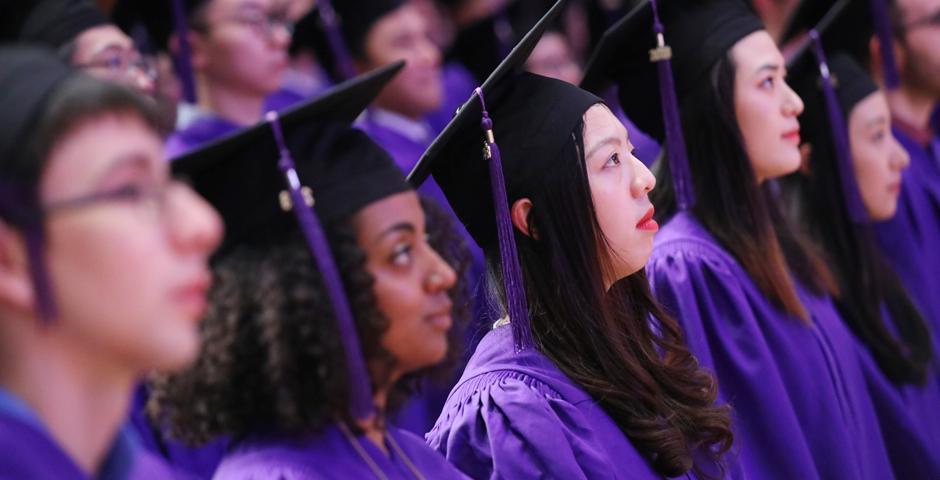 5月23日,上海纽约大学2018届本科生毕业典礼,在上海东方艺术中心举行。(摄影: NYU Shanghai)