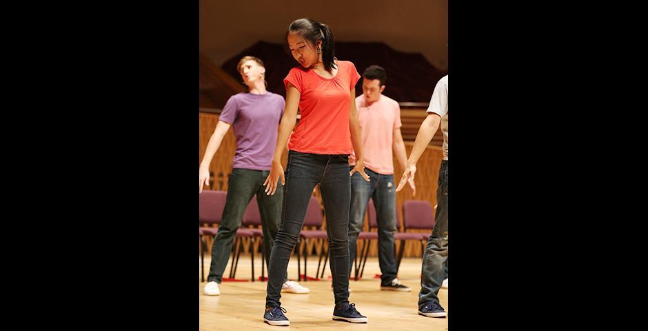 2015年9月11日晚,上海纽约大学在上海交响乐团音乐厅上演了一年一度的Reality Show。演出由12名我校大二学生以青春活泼、富有张力的歌舞剧形式呈现,将真实的大学生活搬上舞台。 (摄影: Dylan J Crow)