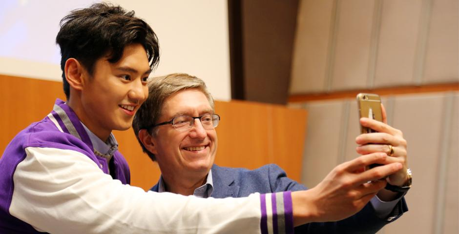 Chinese Olympic swimmer and sports heartthrob Ning Zetao spoke about daring to dream and the importance of social responsibility to an audience of NYU Shanghai students on October 21. (Photo by: Wenqian Hu)