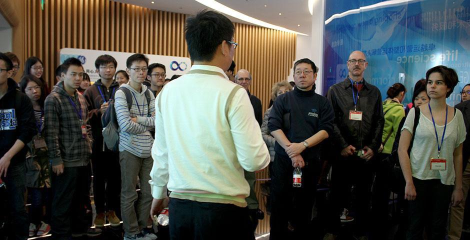 NYU Shanghai Foundations of Science (FoS) students visit Zhangjiang Hi-Tech Park. December 5, 2014. (Photo by Ann Yang)