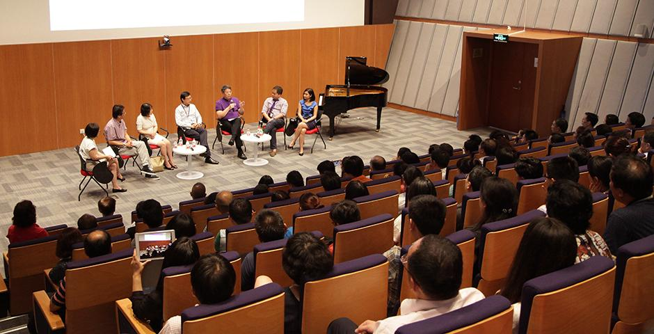 Class of 2019 Parent Panel on August 22, 2015. (Photo by Yifei Wu)