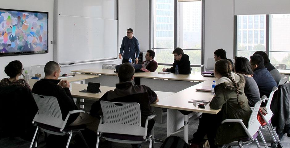"""Members of NYU New York and NYU Abu Dhabi attend J-Term course """"Arabs, Islam, and Commerce in China and the Indian Ocean 9-16th Centuries"""" at NYU Shanghai. January 2015. (Photo by Tannia Xia)"""