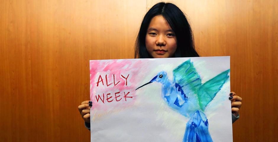 """作为上海纽约大学""""为爱联盟周""""活动的一部分,11月7日,上纽大学生或写或画,表达了他们将如何从自身做起""""为爱联盟"""",以及对个人身份和多重身份的思考。(摄影:NYU Shanghai)"""