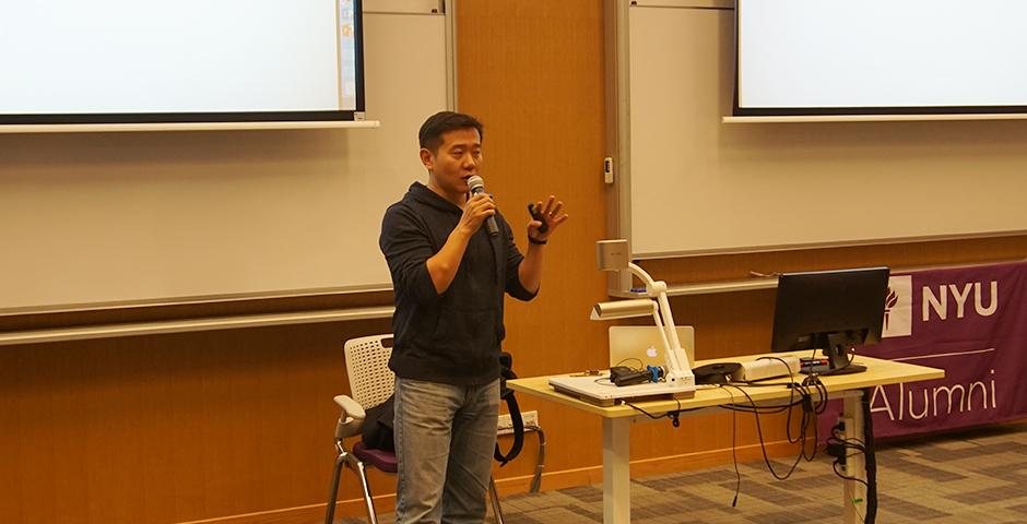 Peng Jin (Stern '98) sat down with students at NYU Shanghai to share his experiences in venture capital within the Technology, Media and Telecom (TMT) sector. Peng is a founding member of the NYU Alumni Club in Beijing (Photos by: NYU Shanghai)