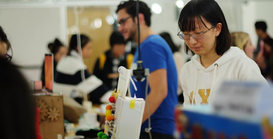 期末秀上的作品,包括成品或展现未来可行性的设计原型。