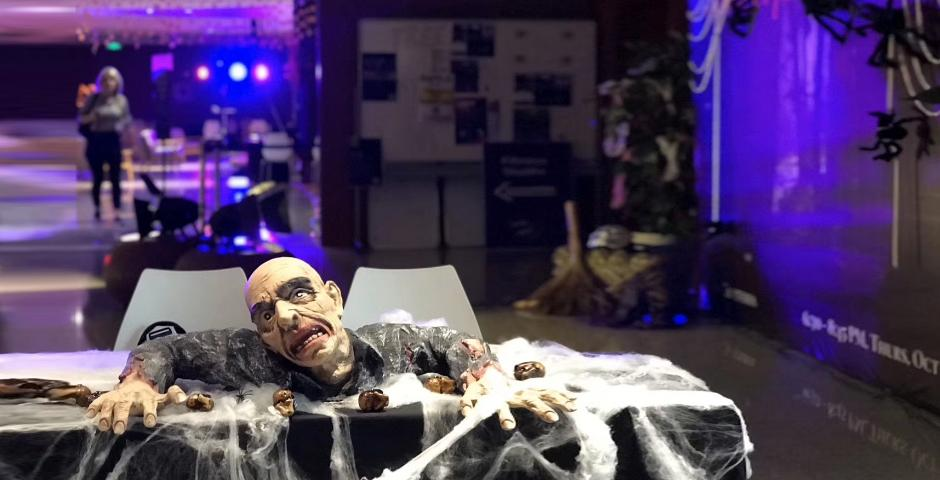 """On Halloween night, NYU Shanghai's student government events committee hosted  a """"Carnival of Terror,"""" complete with a haunted house, a screaming room, lip-sync battles, a movie screening, face painting, and a special dinner menu. Photo by Ng Meizhi '17"""