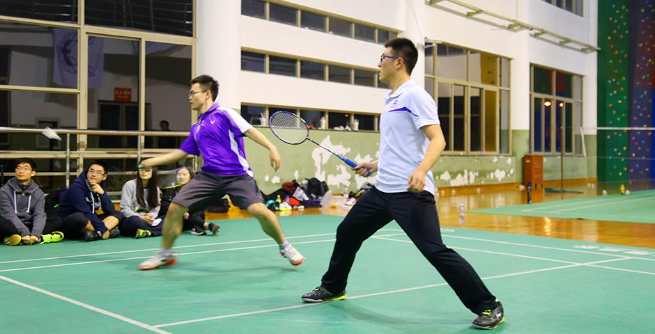 NYU Shanghai and Shanghai University of International Business and Economics squared off in several men's and women's matches on March 14th in Songjiang District. (Photo by: Xinyi Xu)