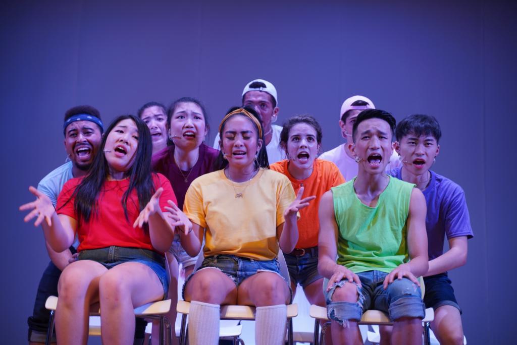 Reality Show还旨在提高学生对于上纽大24小时热线服务的认识,通过拨打021-2059-9999,学生可以进行心理咨询并得到帮助。虽然演出的主题涉及身心健康,但大家还是努力让表演更具趣味性,贴近大家的生活。